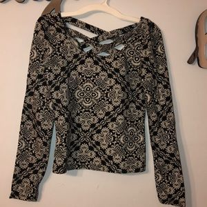 Black and White Patterned Long Sleeve Top